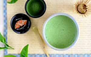 SIMPLE HEALTHIER LIFE WITH MATCHA